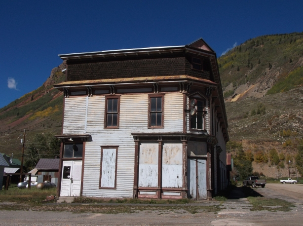 One of the many great old buildings in Silverton.