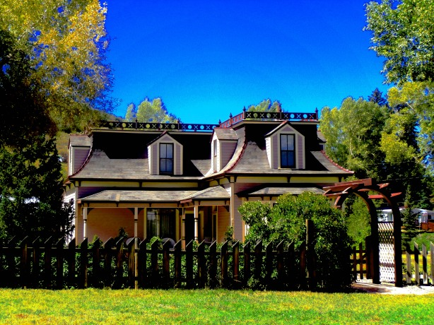 Victorian home in Yampa